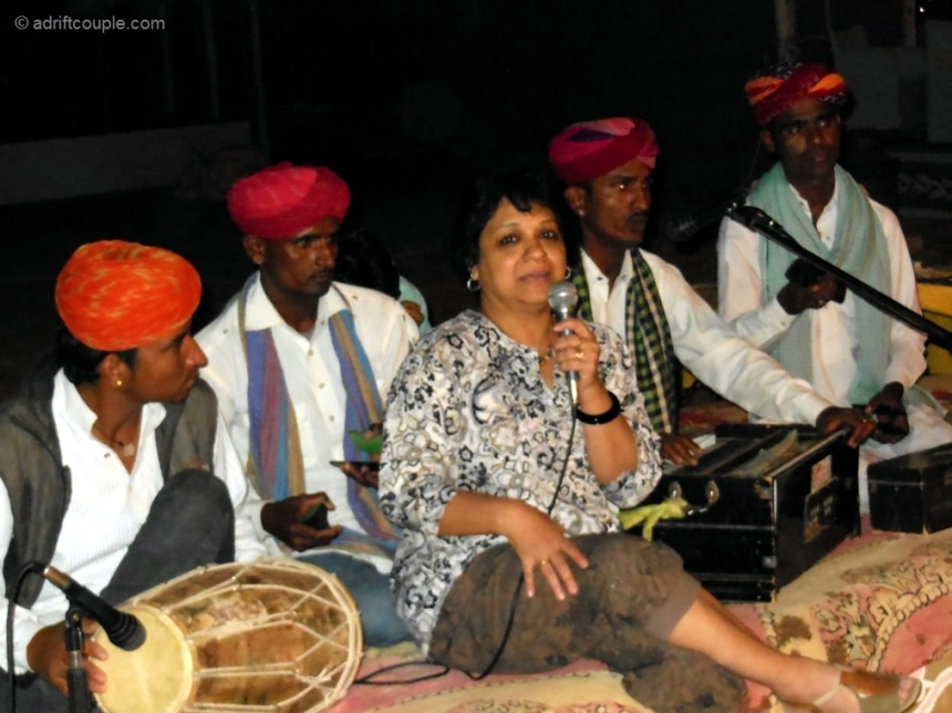 Enjoyed singing with the folk artists at the camp in Jaisalmer, Rajasrhan